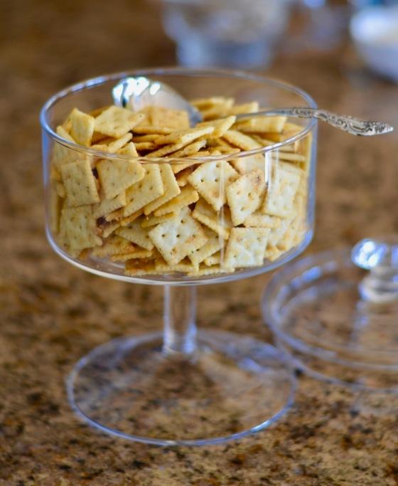 ranch-parmesan-romano-mini-saltines